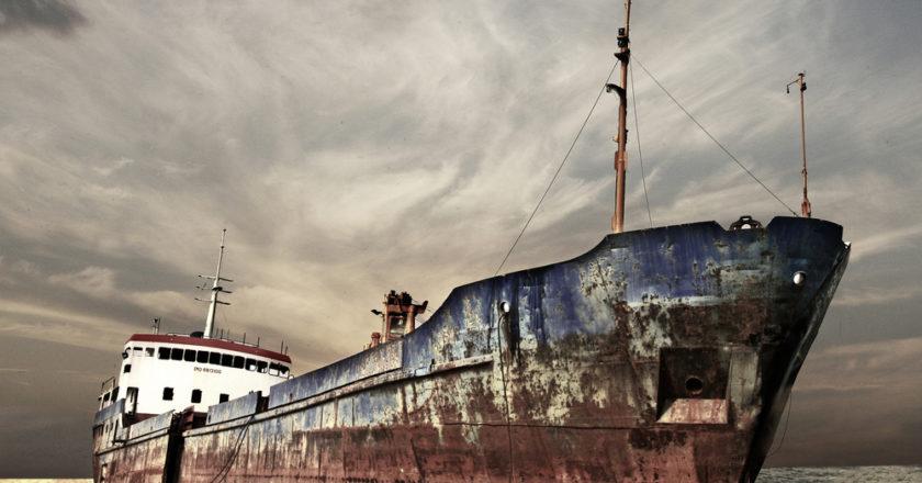Schattenseiten des Onlinehandels: Gefangen auf hoher See